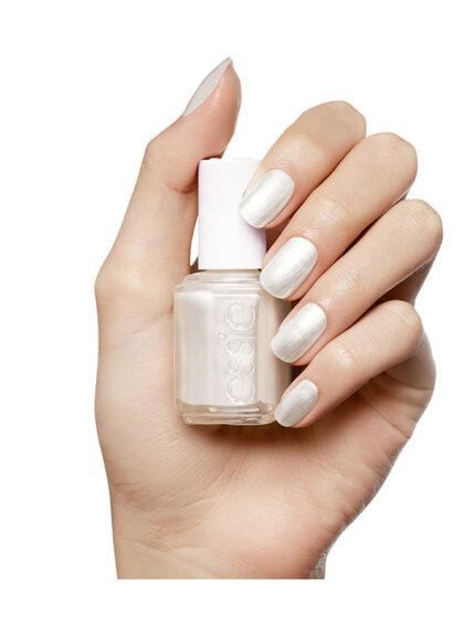 Essie Color 04 Peraly White